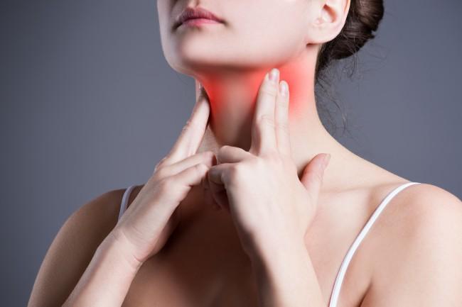 cancer laringe sintomas iniciales simptome cancer uterin