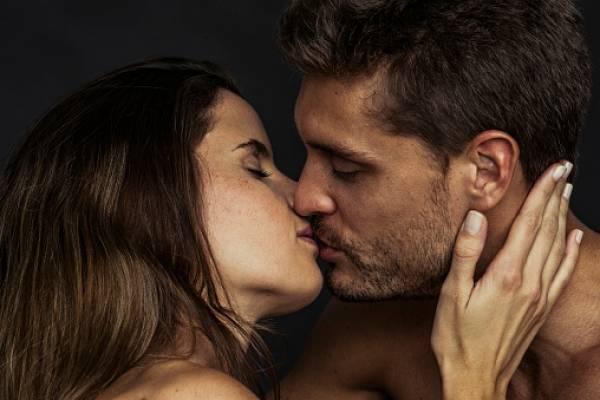 el papiloma humano se transmite por un beso