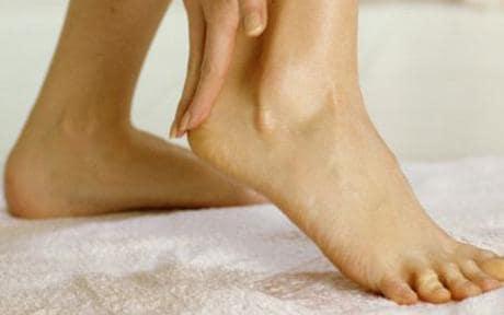 verruca foot pain